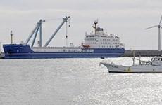 Tàu chở nhiên liệu hạt nhân cập cảng Nhật Bản