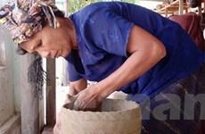 Khôi phục nghề gốm của dân tộc M'nông