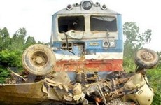 """Huế: Ôtô """"húc"""" đuôi tàu hỏa làm 1 người chết"""
