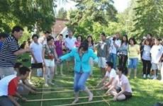 80 thanh thiếu niên Việt kiều về nước dự trại hè