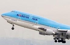Các hãng hàng không ngoại đồng loạt giảm giá