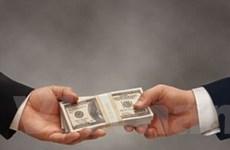 Khủng hoảng lan nhanh, tiền lương giảm mạnh