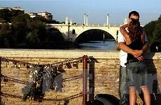 Italy: Tỏ tình cũng phải tuân thủ luật pháp