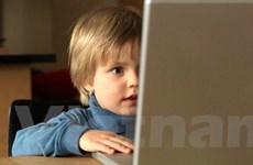 """Trẻ em Mỹ ngày càng dành nhiều thời gian """"online"""""""