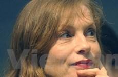 """Isabelle Huppert nhận giải """"Thành tựu trọn đời"""""""