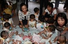 Những người đẹp mê tay lái với trẻ mồ côi Bửu Trì