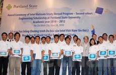 Intel Việt Nam trao 22 suất học bổng du học Mỹ