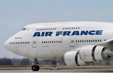 Máy bay Air France hạ cánh khẩn vì báo động bom