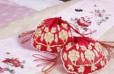 Thợ Việt làm sản phẩm thêu truyền thống Hàn Quốc
