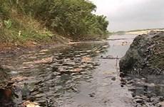 Yêu cầu khắc phục sự cố tràn dầu ở sông Trà Khúc