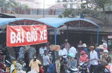Phí trông xe ở Hà Nội: Phép vua có thua… lệ làng