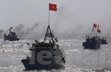 Phản đối tàu quân sự TQ uy hiếp tàu cá Việt Nam