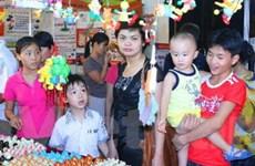 Trẻ em háo hức với lễ hội dân gian của tuổi thơ