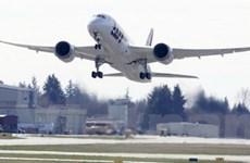 Bay thử 787 Dreamliner trước khi trở lại đường băng