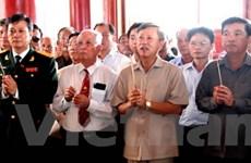 Cộng đồng người Việt tại Lào dâng hương viếng Bác