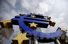 ECB duy trì lãi suất cơ bản và hạ dự báo tăng trưởng