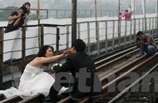Hoài niệm với thanh đường ray trên cầu Long Biên