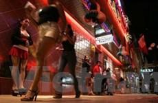 Lo bị bỏ rơi, đàn ông Malaysia tìm... gái mại dâm