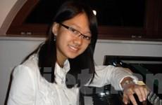 Nghệ sĩ trẻ Việt kiều biểu diễn piano từ thiện