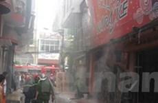 Hỏa hoạn lớn thiêu rụi một quán karaoke tại Hà Nội