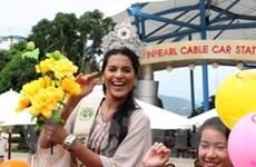Hoa hậu Trái đất cổ vũ bảo vệ môi trường nước