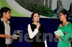 Lý Nhã Kỳ vận động sinh viên bầu cho Hạ Long