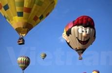 """Lễ hội Khinh khí cầu: """"Bữa tiệc"""" lộng lẫy trên không"""