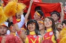 Đi du lịch và tiếp lửa cho đội tuyển VN ở AFF Cup