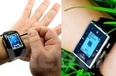 Samsung trình làng điện thoại đồng hồ siêu mỏng