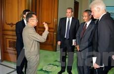 Chủ tịch Triều Tiên Kim Jong-Il gặp Bill Clinton
