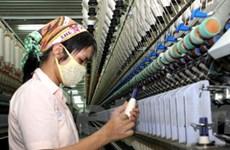 Doanh nghiệp vẫn tăng lương dù kinh tế khó khăn