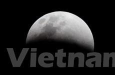 """NASA """"bắn phá"""" bề mặt Mặt Trăng để tìm nước"""