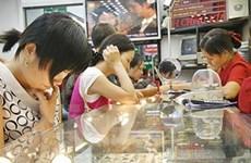 Sức mua thấp hãm đà tăng giá vàng trong nước