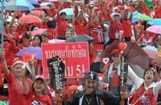 """Hơn 1.000 người """"áo đỏ"""" tụ tập tại thủ đô Bangkok"""