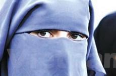 Hủy hôn vì người vợ mới cưới có râu và lác mắt