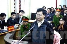 """Dừng xét xử vụ """"rút ruột"""" tượng đài Điện Biên Phủ"""