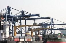 Các cảng ùn ứ hàng hóa vì tài xế thiếu bằng lái FC