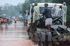 Tích cực cứu trợ người dân vùng lũ lụt miền Trung