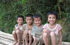 Hỗ trợ trẻ em và học sinh các dân tộc rất ít người