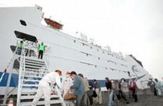 """Nhật cử tàu du lịch """"khủng"""" phục vụ dân vùng nạn"""