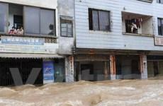 Trung Quốc duy trì cấp báo động cao về mưa lũ