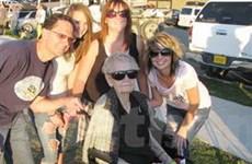 Mỹ: Cụ bà 101 tuổi vẫn lái tàu lượn mừng sinh nhật