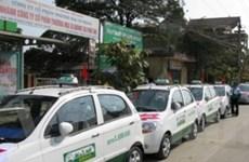 Các hãng taxi rục rịch giảm cước theo giá xăng dầu
