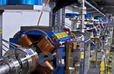 Lắp đặt máy gia tốc để tìm hiểu nguồn gốc vũ trụ