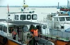 Trung Bộ khẩn cấp chống bão, lũ các sông đang lên