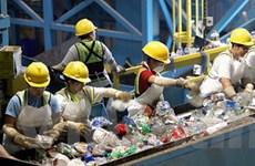 Hướng tới sản phẩm nhựa thân thiện với môi trường
