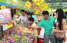 Thị trường bánh kẹo, mứt Tết sôi động, giá tăng nhẹ