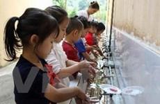 """Hà Nội nỗ lực giải quyết tình trạng """"khát"""" nước sạch"""