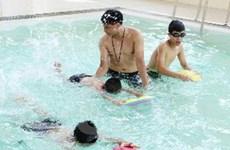 Dạy bơi miễn phí để giúp trẻ phòng chống đuối nước