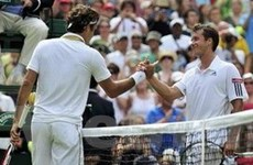 Vượt qua Soderling, Federer vào tứ kết